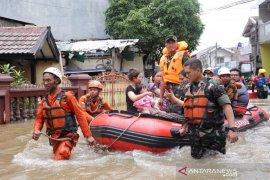 1.031 personil dari sejumlah OPD Kota Tangerang disiagakan meski banjir surut