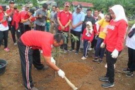Jajaran Polres Tabalong lakukan penanaman pohon