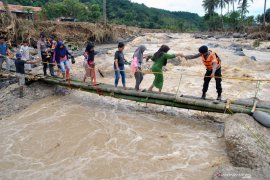 Dinas Kesehatan Jabar siagakan puskesmas 24 jam di kawasan banjir