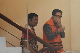"Saksi akui serahkan ""pelicin"" APBD kepada mantan Ketua DPRD Tulungagung"