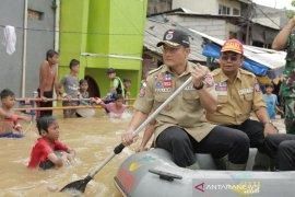 Mensos pastikan semua korban banjir Jakarta-Jabar ditangani