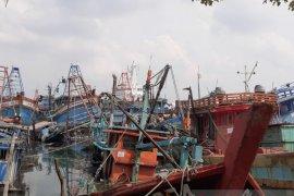 Takut ditabrak kapal Vietnam, pendapatan nelayan Natuna anjlok