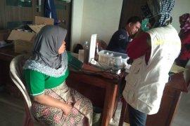 Posko medis pengungsian Sajira kekurangan obat-obatan