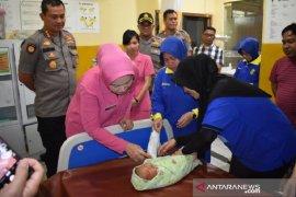 Polisi Pekanbaru selidiki orang tua penelantar bayi