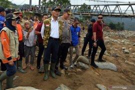 Bupati Iti Octavia yakin perbaikan jembatan rampung dalam tiga bulan