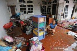 Pemkot Tangerang ajak warga bantu alat kebersihan untuk korban banjir