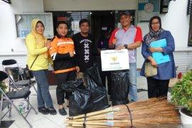 1.244 alat kebersihan diberikan pada masyarakat terdampak banjir