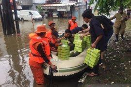 PT Pupuk Indonesia salurkan bantuan untuk korban banjir di Jakarta Barat