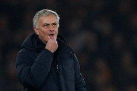 Mourinho pastikan Spurs cerdas dalam bursa transfer Januari