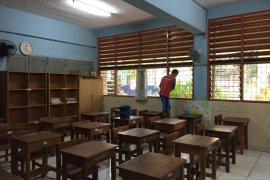 Heri penjaga sekaligus penyelamat sekolah saat banjir