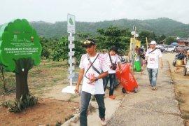 Masyarakat apresiasi kampanye anti sampah  Jamkrindo di Geopark Ciletuh