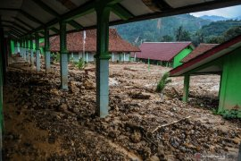 19 sekolah rusak berat akibat banjir di Lebak
