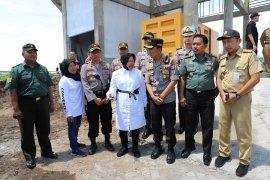 Walkot Risma bersama Kapolrestabes Surabaya cek rumah pompa