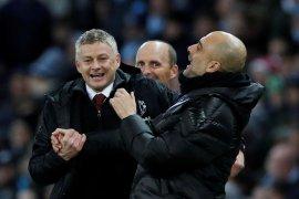 Pep Guardiola: Lebih baik pensiun dari pada ke Manchester United