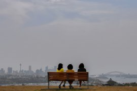Langin Melbourne berselimut asap,  kebakaran hutan belum usai