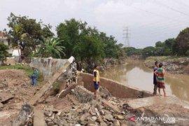 Kota Bekasi segera perbaiki 89 tanggul rusak akibat banjir