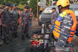Lanal Cirebon siagakan personel bantu penanganan bencana di musim hujan