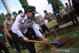 Pemkab Landak dukung program penghijauan Polri