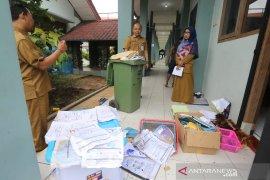 Akibat banjir, Disdikbud Tangsel siapkan layanan pengganti ijazah rusak