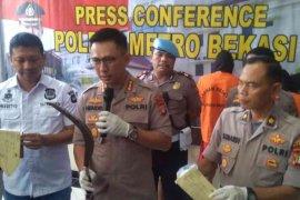 Polisi Bekasi ungkap motif pembacokan di depan kantor kecamatan