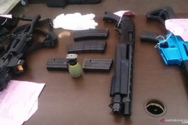 Putra Ayu Azhari terima 'fee' penjualan senjata api Rp9 juta