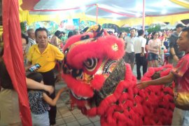 Etnis Tionghoa di Padang gelar pasar malam sincia sambut tahun baru Imlek