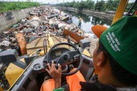 Banjir Jakarta Tahun Baru 2020 hasilkan sampah hampir 50 ribu ton