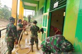 Korem 064/MY laksanakan karya bakti bersihkan Ponpes Latansa
