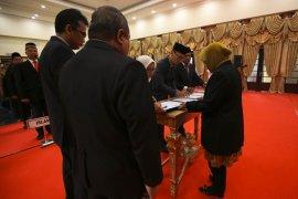 Wali Kota Risma mutasi dan rotasi pejabat Pemkot Surabaya