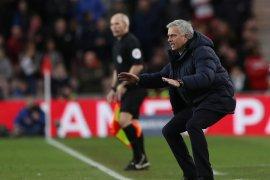 Mourinho: Diam di rumah saja kalau tidak percaya diri