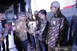 Lima penghargaan dianugrahkan untuk bidang PMPD