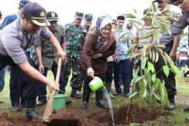 """Bupati Pandeglang Irna Narulita dukung program kampanye """"Go Green"""" Polri"""
