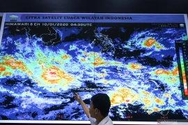 NTT dilanda Siklon tropis Claudia kategori dua