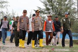 Polres Bangka tanam 1.500 pohon di Lintas Timur Sungailiat