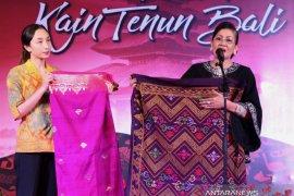 Dekranasda Bali: gunakan tenun asli untuk sejahterakan perajin