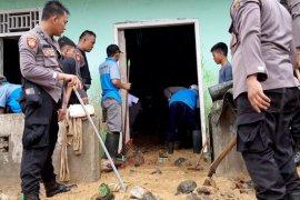 Ratusan rumah di Tanggamus, Lampung rusak akibat diterjang banjir