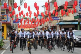 Sebanyak 700 peserta meriahkan Gowes Tour De Singkawang 162 kilometer