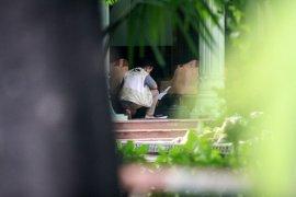 Geledah rumah dinas Bupati Sidoarjo, KPK bawa koper biru