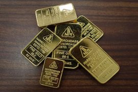 Emas jatuh 13,5 dolar ketika ECB pertahankan kebijakan