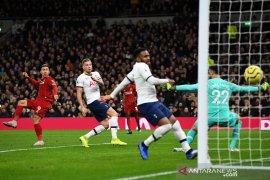 Liga Inggris: Gol tunggal Firmino bawa Liverpool menang di Tottenham