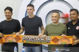 Persiraja kenalkan Bruno Dybal pemain asing eks timnas Brasil