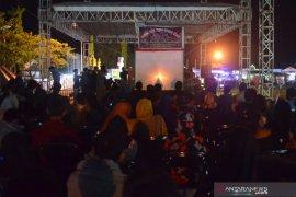 Ratusan warga saksikan penggelaran wayang kulit Banjar