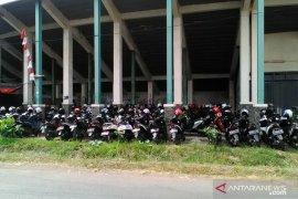 Tarif parkir tepi jalan di Karawang maksimal Rp3.000