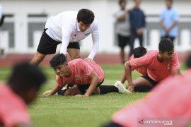 Pelatih Shin Tae-Yong belum puas dengan kondisi fisik timnas U-19