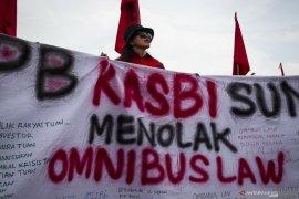 Siang ini, DPR sahkan RUU Omnibus Law