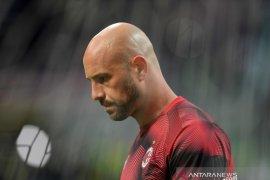 Aston Villa pinjam Pepe Reina dari AC Milan hingga akhir 2020