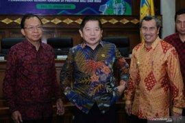 """Koster dan Bappenas tandatangani nota kesepahaman """"Pembangunan Rendah Karbon"""" (video)"""