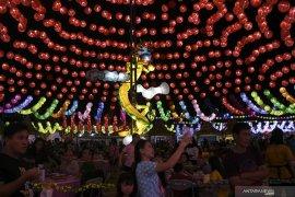 Sriwijaya Lantern Festival Page 3 Small