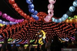 Sriwijaya Lantern Festival Page 4 Small