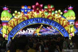 SRIWIJAYA LANTERN FESTIVAL Page 6 Small